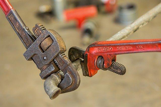 Outils de plomberie par les meilleurs artisans plombier dans le 75010